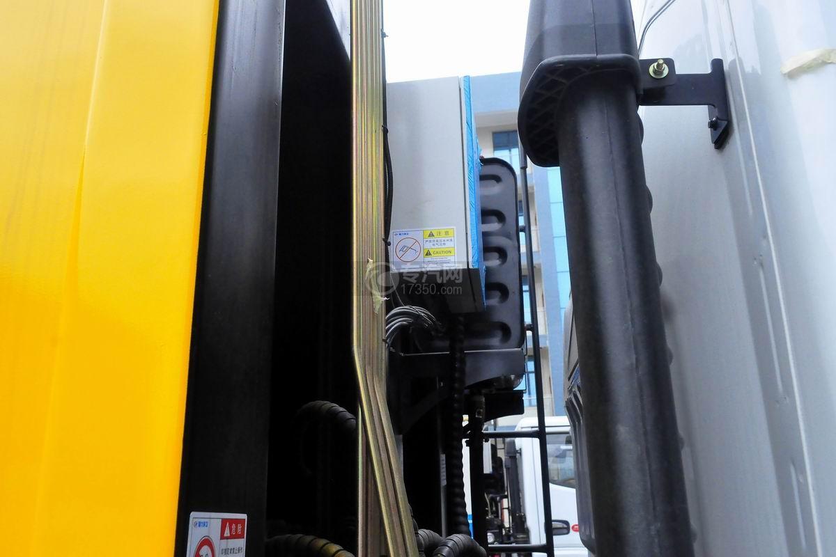 东风多利卡8方压缩式垃圾车电控箱