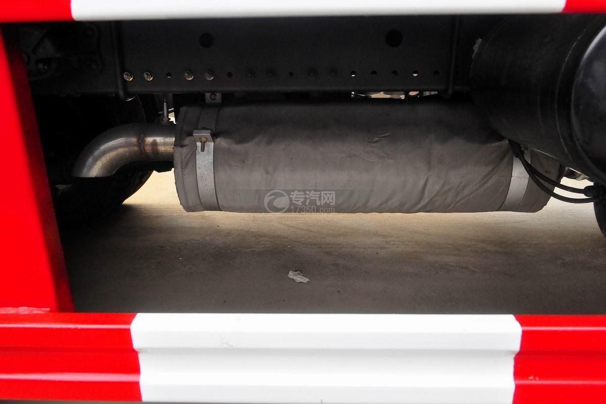 东风多利卡10方压缩式垃圾车排气管