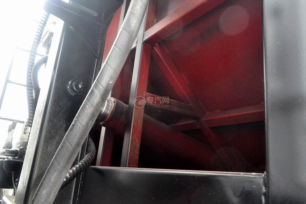 东风多利卡10方压缩式垃圾车上装