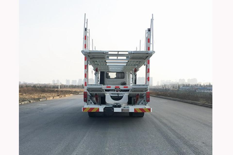 东风天锦小三轴国六轿运车正后图