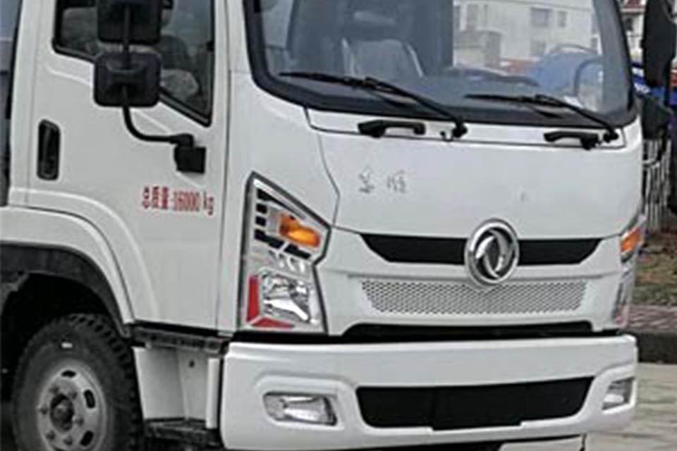 东风专底9.6方国六洒水车前脸