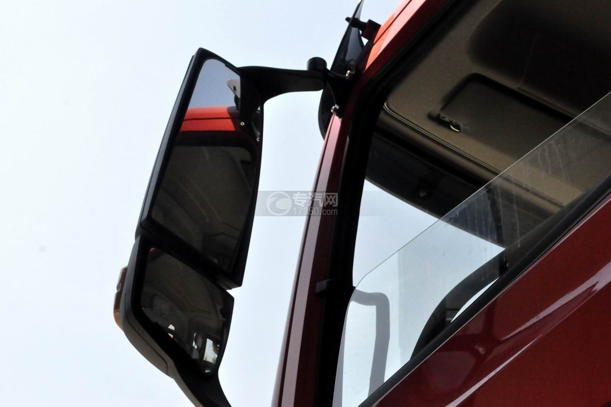 湖北大运风驰后双桥徐工12吨直臂随车吊后视镜