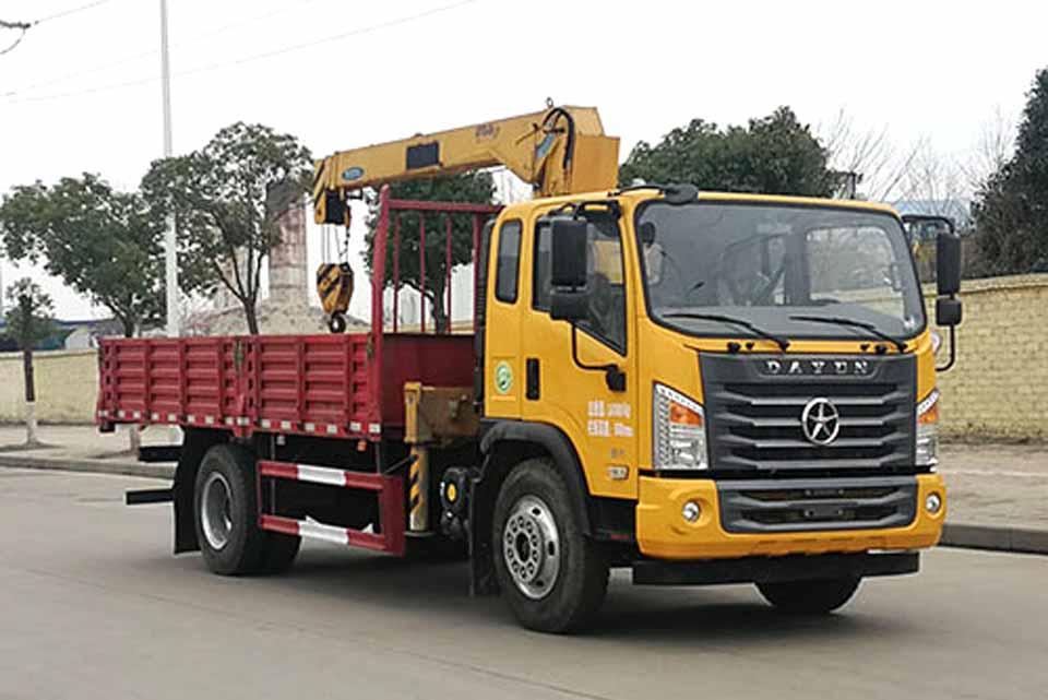 大运G6单桥国六6.3吨直臂随车吊