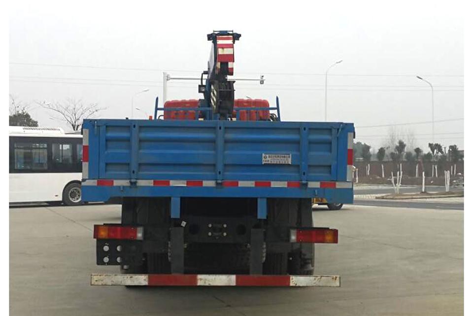 东风特商后双桥国六10吨直臂随车吊正后图