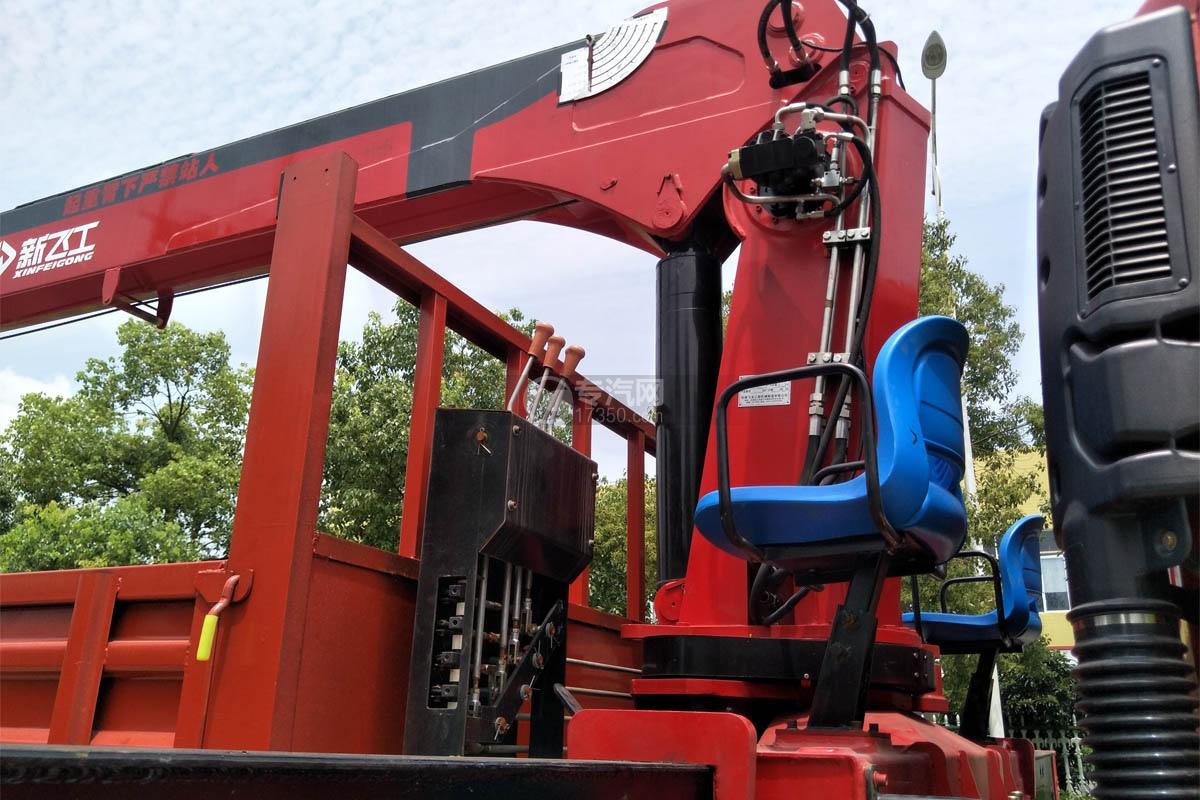 陕汽轩德X6单桥新飞工8吨直臂随车吊中操作椅