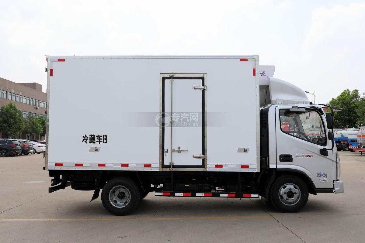 福田奥铃速运蓝牌4.1米冷藏车右侧图
