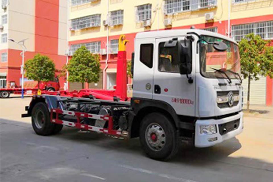 東風多利卡D12國六勾臂式垃圾車