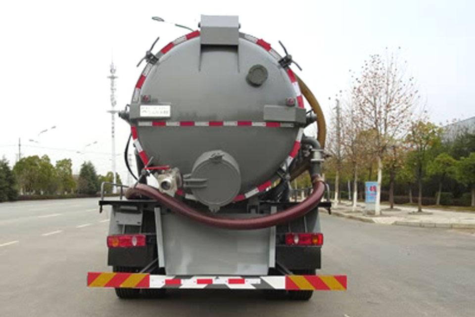 东风商用国六11方吸污车正后图