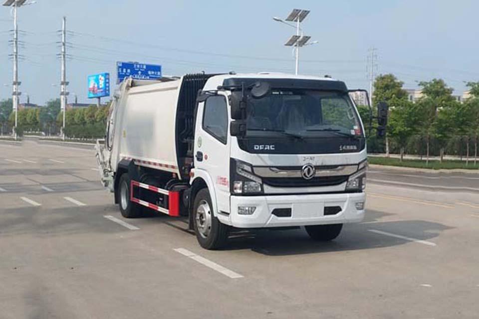 东风大多利卡国六压缩式垃圾车