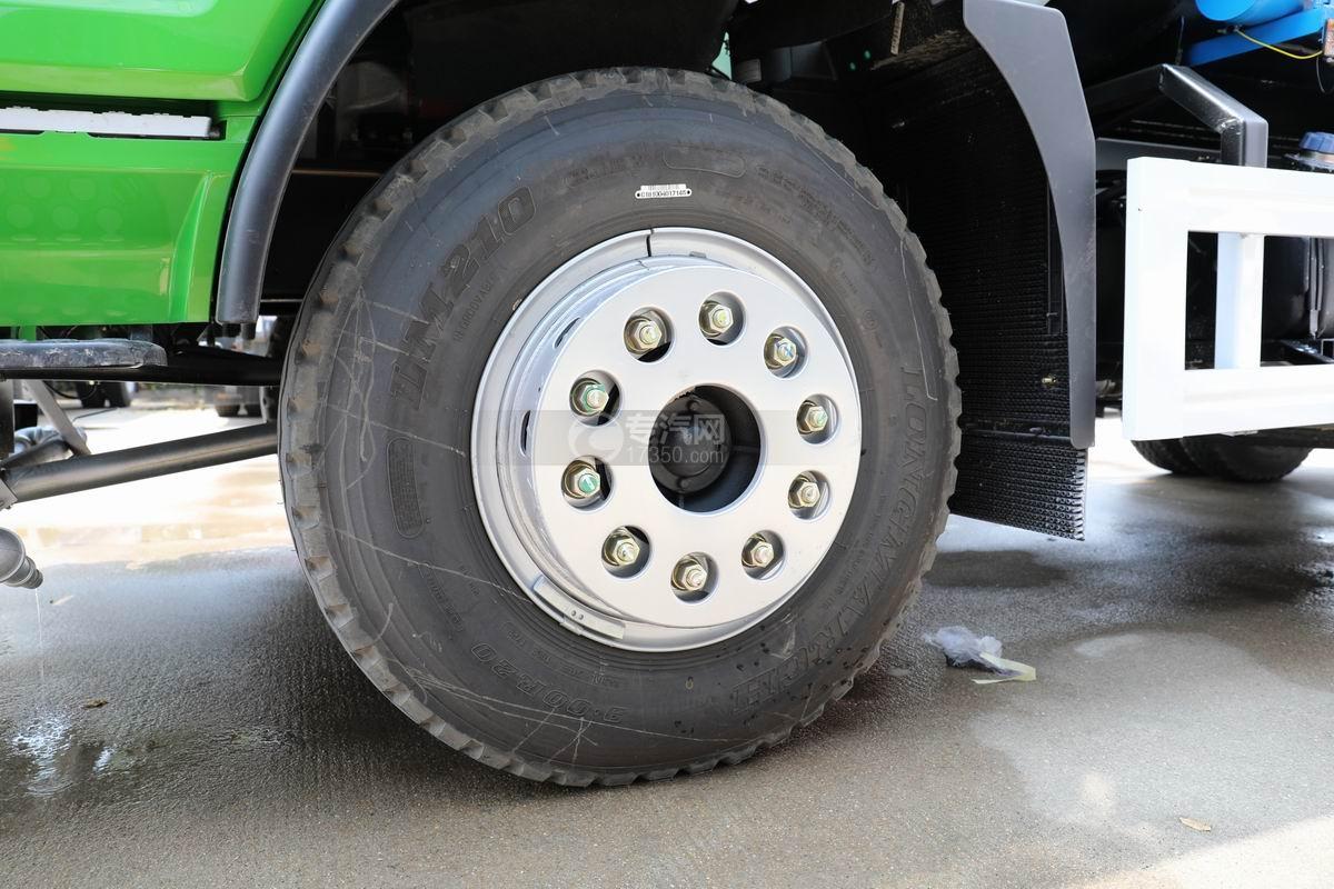 湖北大运风度12方洒水车轮胎