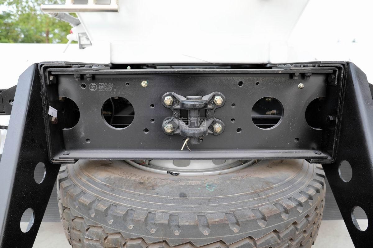 陕汽轩德X6前四后八7.4方搅拌车细节