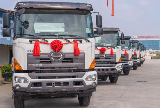广汽日野混凝土车批量交付用户现场再获大单