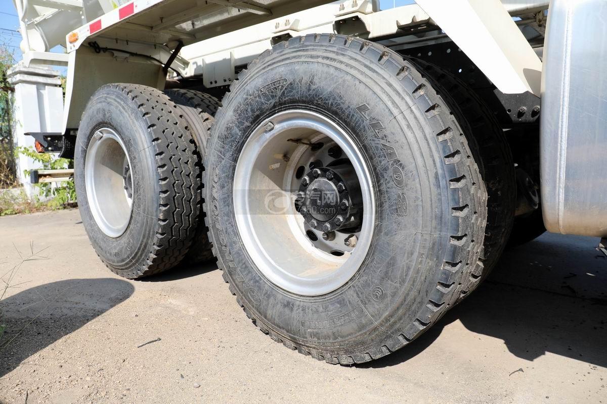 福田欧曼前四后八7.49方混凝土搅拌车轮胎