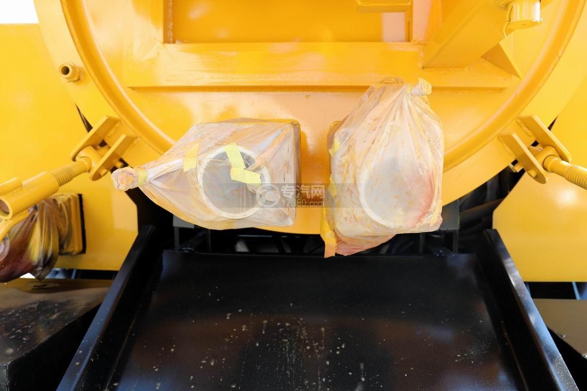 东风多利卡D6清洗吸污车卸污口