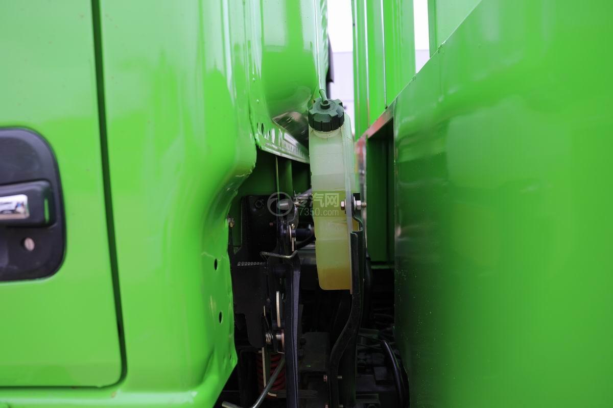 跃进上骏X500国五单桥平板运输车防冻液