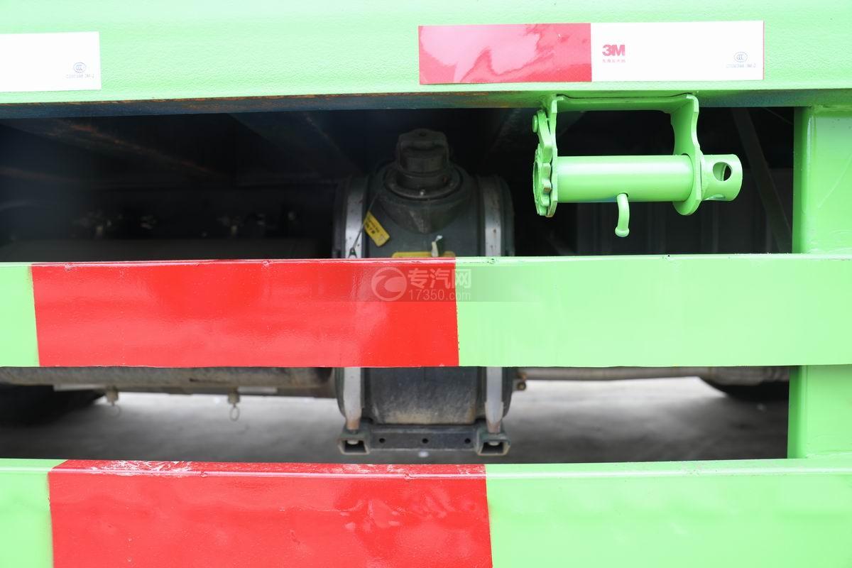 跃进上骏X500国五单桥平板运输车尿素箱