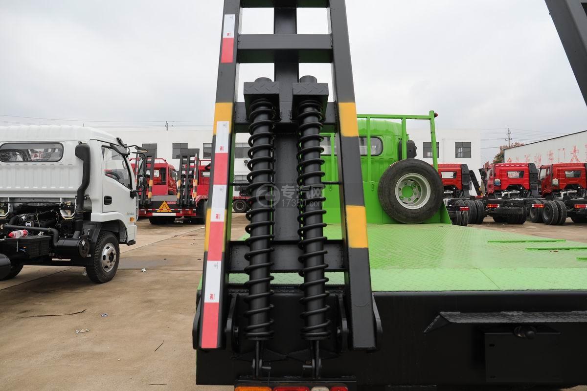 跃进上骏X500国五单桥平板运输车爬梯