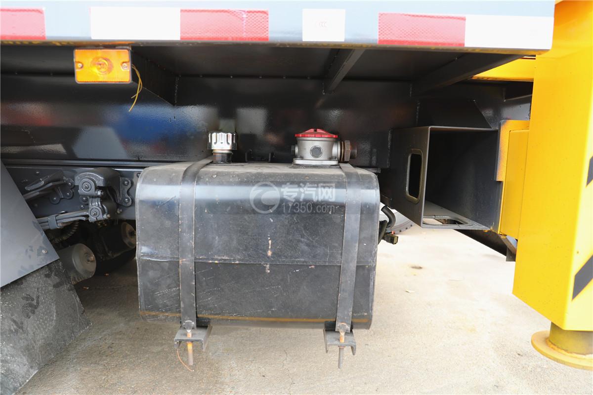 东风小多利卡国六16米伸缩臂式高空作业车液压油箱图
