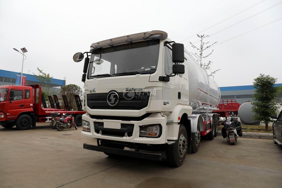 陕汽德龙新M3000前四后八粉粒物料运输车