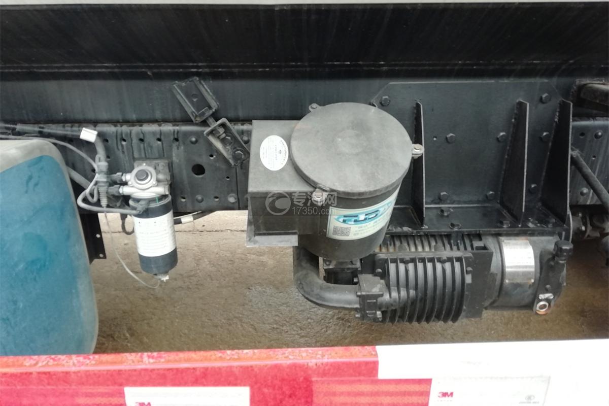 江铃威龙前四后八32方粉粒物料运输车空压机
