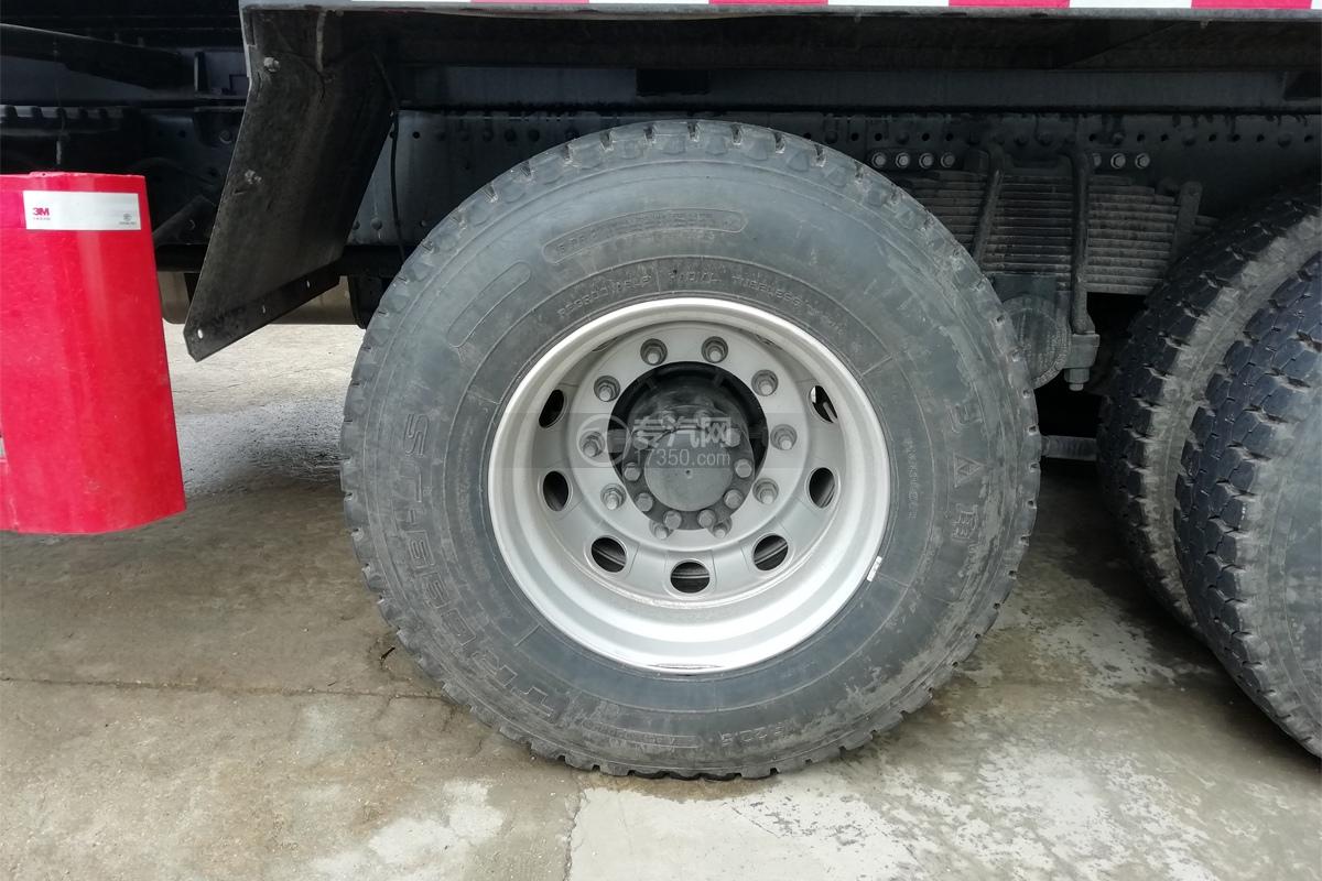 江铃威龙前四后八32方粉粒物料运输车轮胎