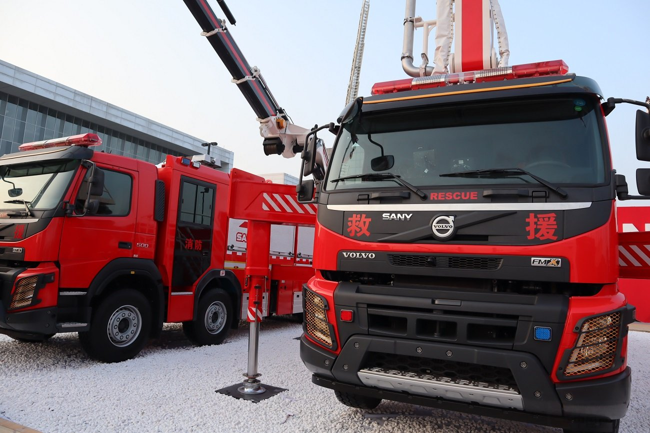 """沃尔沃卡车?#28872;?019中国消防展 百余台订单抢滩""""国六""""消防车市场"""