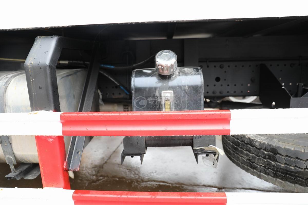江淮骏铃V7国六密闭式桶装垃圾运输车液压油箱