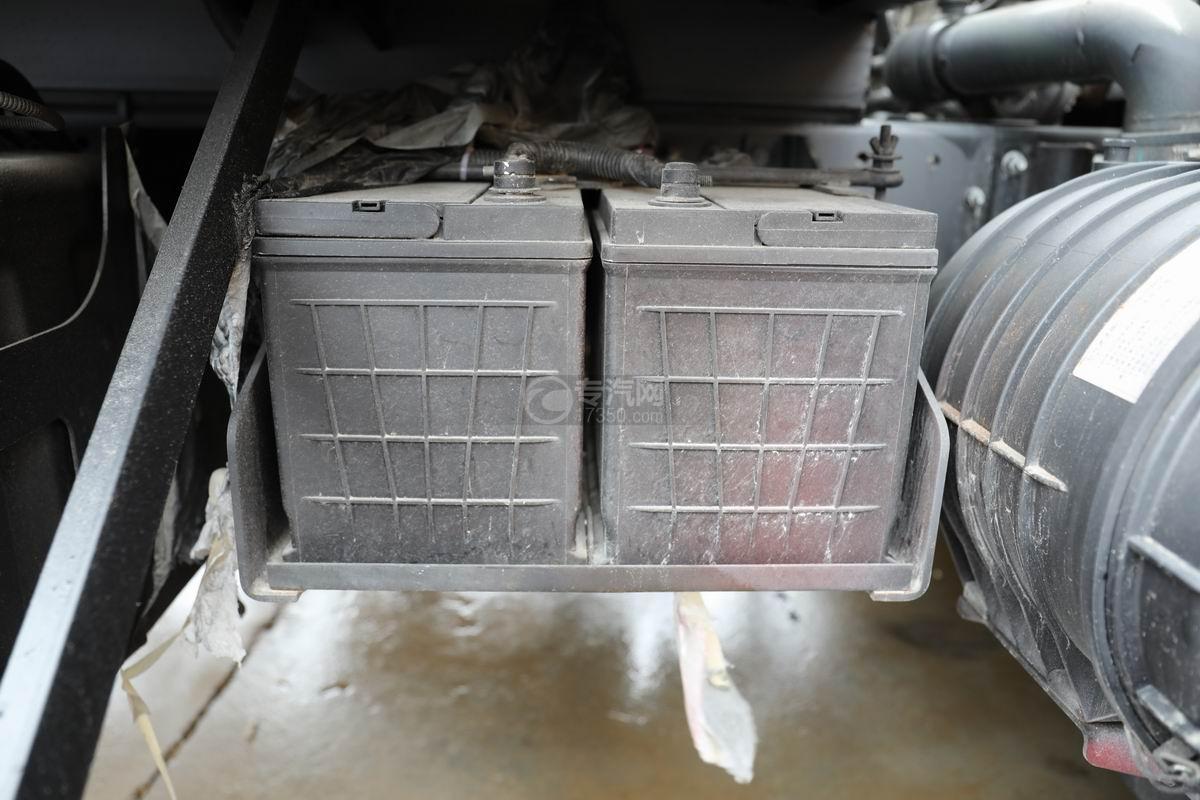 江淮骏铃V7国六密闭式桶装垃圾运输车蓄电池