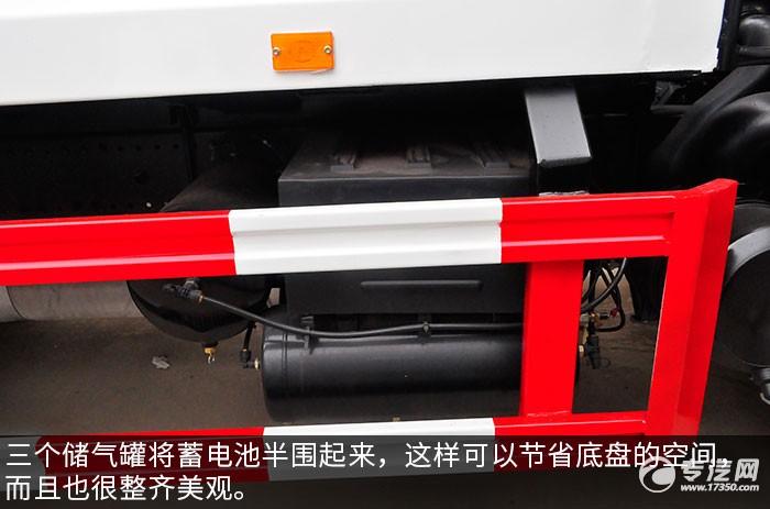 东风多利卡D9压缩式垃圾车储气罐