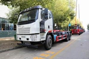 解放后雙橋國六勾臂式垃圾車圖片