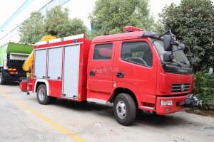 东风多利卡双排抢险救援消防车图片