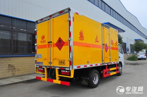 东风小多利卡国六易燃气体厢式运输车右后图