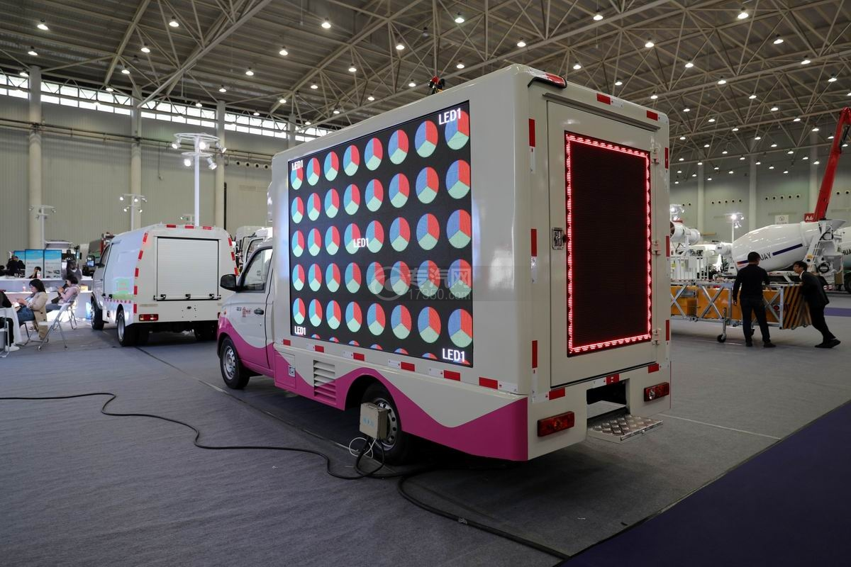 福田祥菱國六LED廣告宣傳車側后方圖