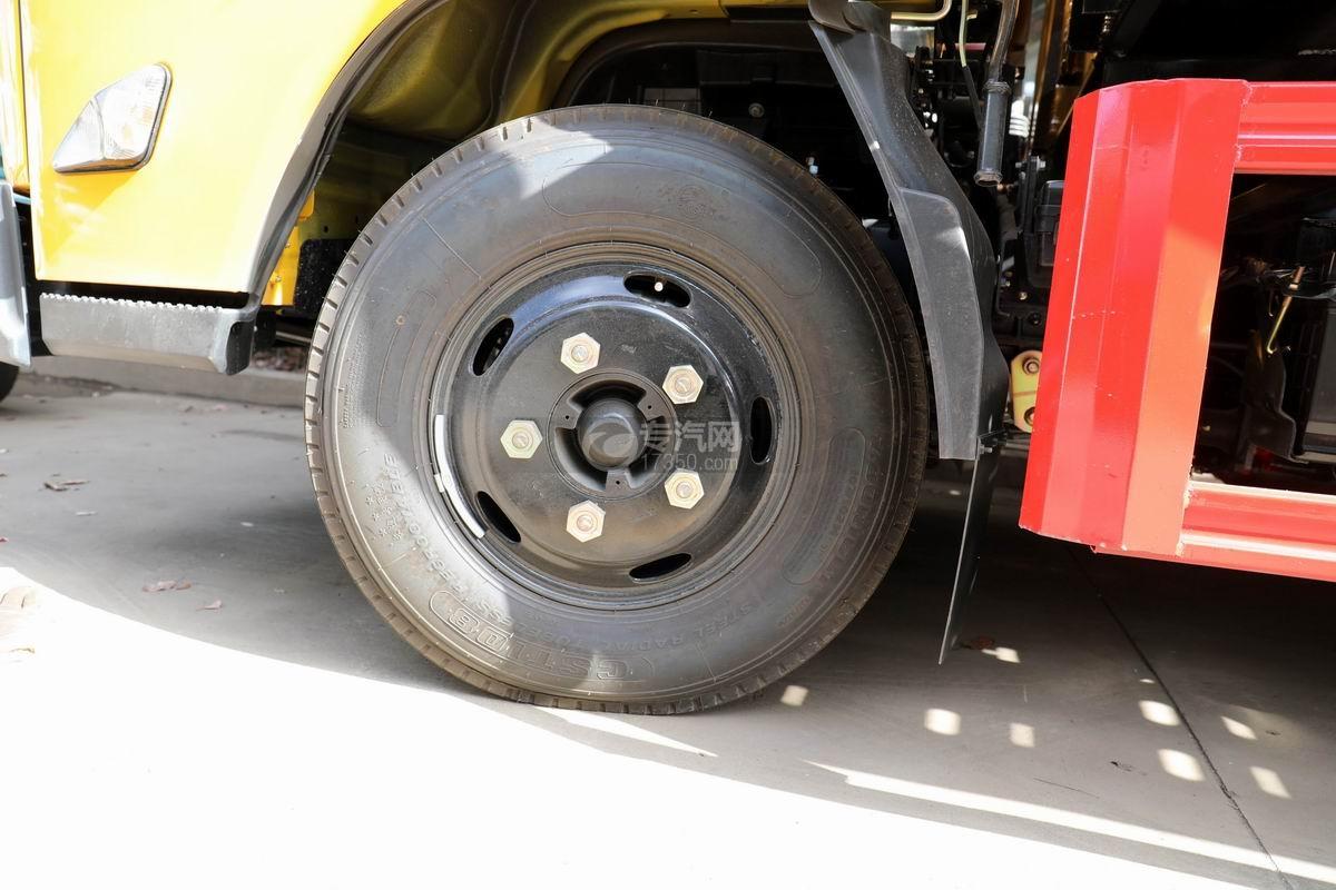 江铃凯运一拖二平板清障车轮胎
