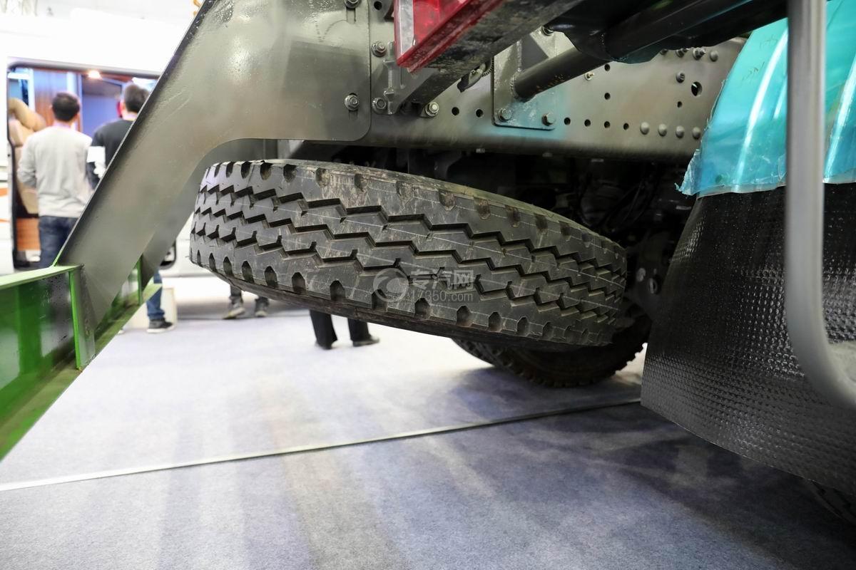 重汽豪沃前四后八国六7.5方搅拌车备胎