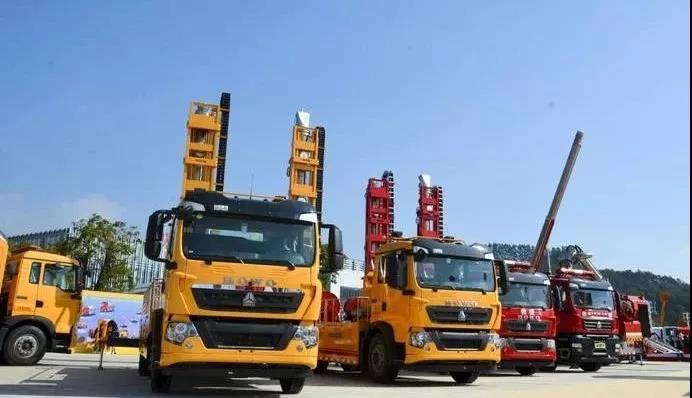 中国重汽HOWO排水抢险车将为卡车人的安全默默守候