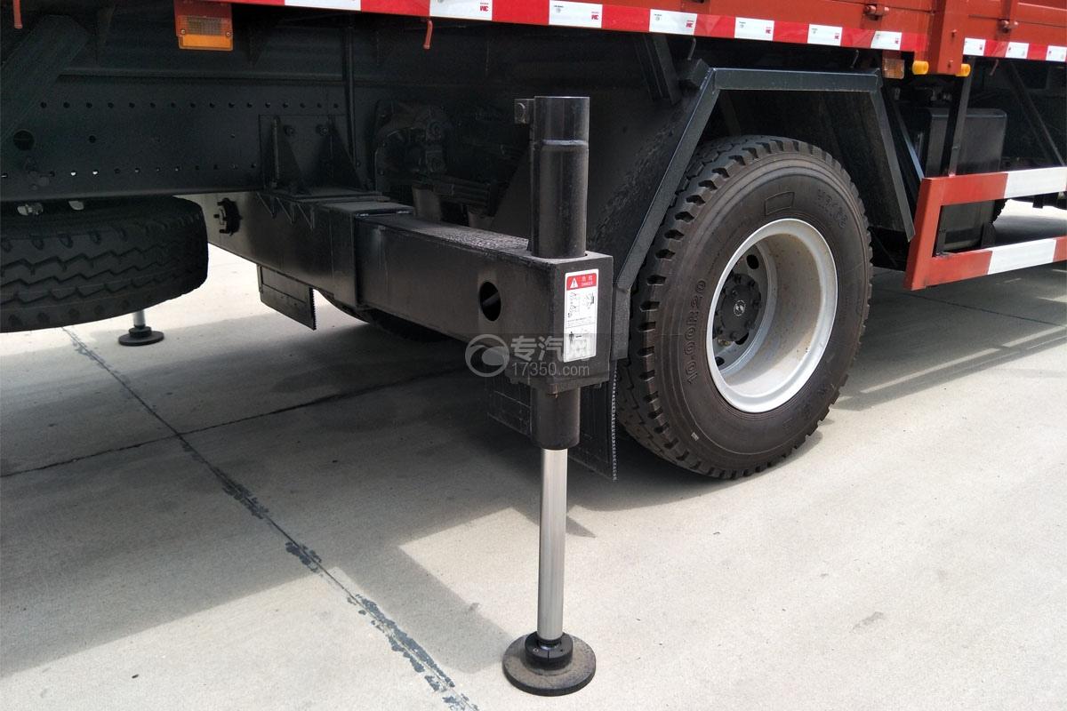 陜汽軒德X6單橋8噸直臂隨車吊支腿