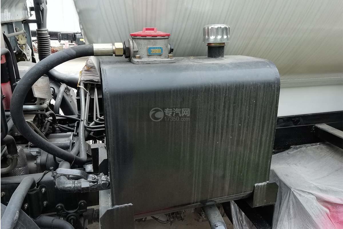 東風福瑞卡國六8方餐廚式垃圾車液壓油箱