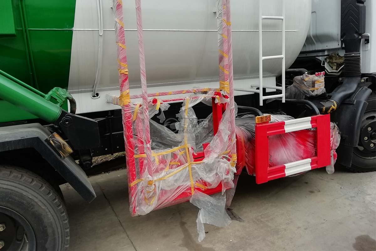 東風福瑞卡國六8方餐廚式垃圾車上料裝置
