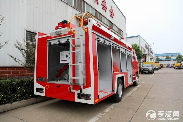 东风大多利卡水罐消防车