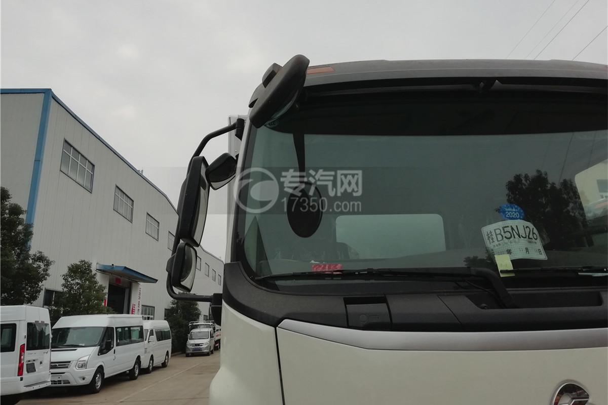 东风柳汽乘龙M3国五6.58米易燃气体厢式运输车右后视镜图
