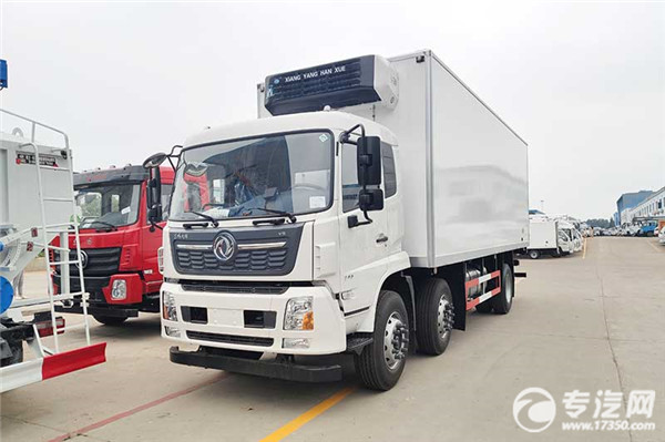 東風天錦VR小三軸8.6米冷藏車左前圖