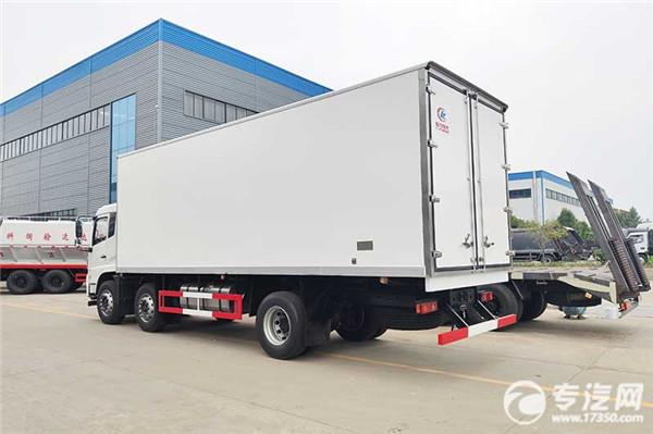 東風天錦VR小三軸8.6米冷藏車左后圖