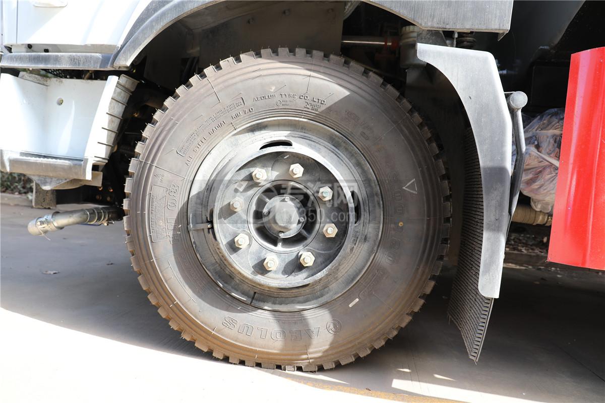 东风专底拓行D1L国六10.08方洒水车轮胎图