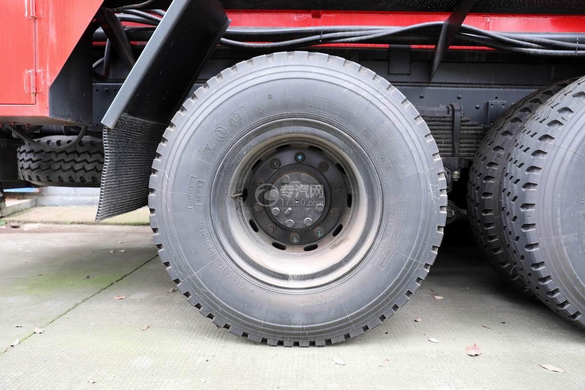 东风锦程V6国六后双桥16方清洗吸污车轮胎