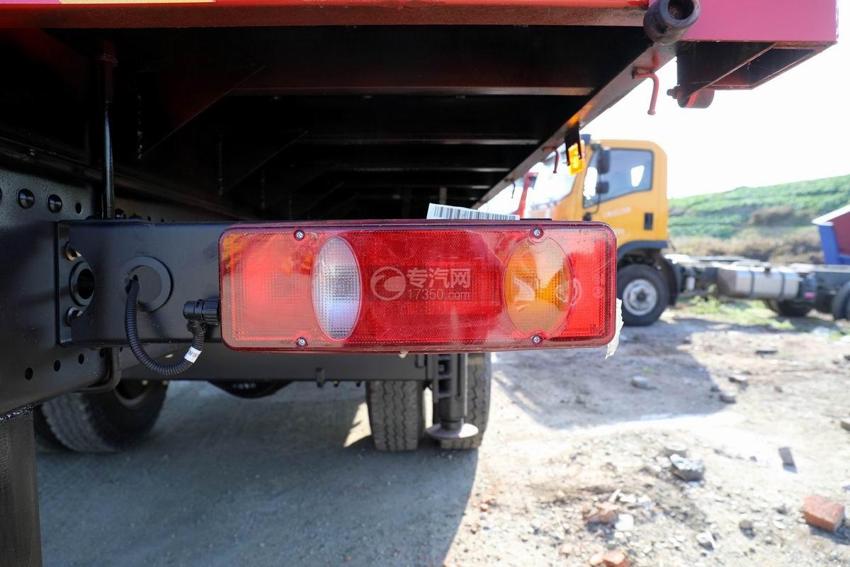 大運風景F6單橋6.3噸折臂隨車吊尾燈