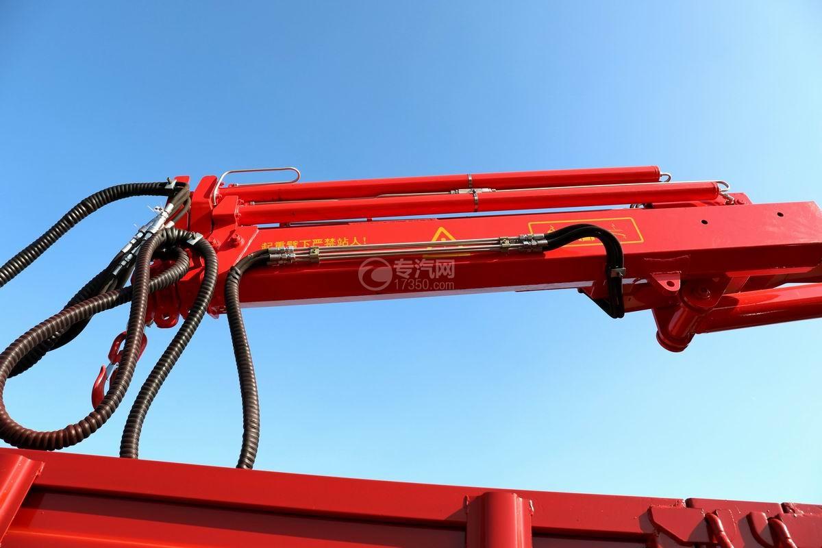 大運風景F6單橋6.3噸折臂隨車吊吊機細節