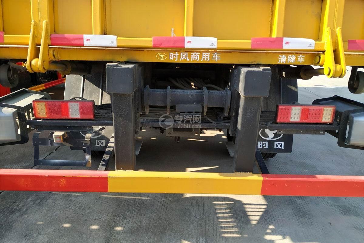 東風多利卡D8一拖二清障車(帶尾部翻轉)尾部細節