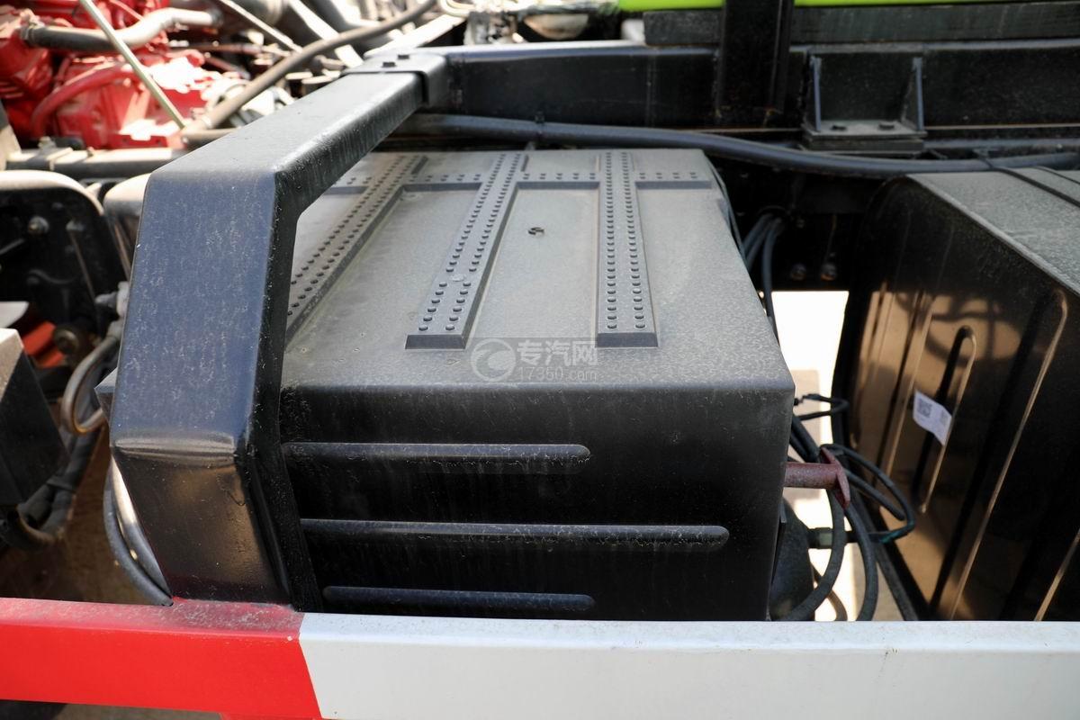 國六東風多利卡D9餐廚式垃圾車蓄電池