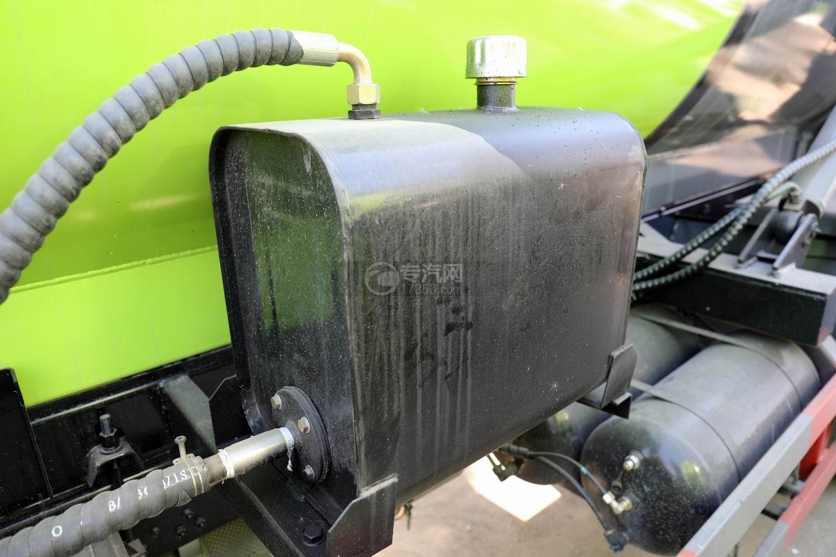 东风凯普特K7国六餐厨式垃圾车(罐式)液压油箱